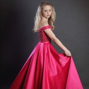 Dresses & Skirts - MacDuggal Pink Gown